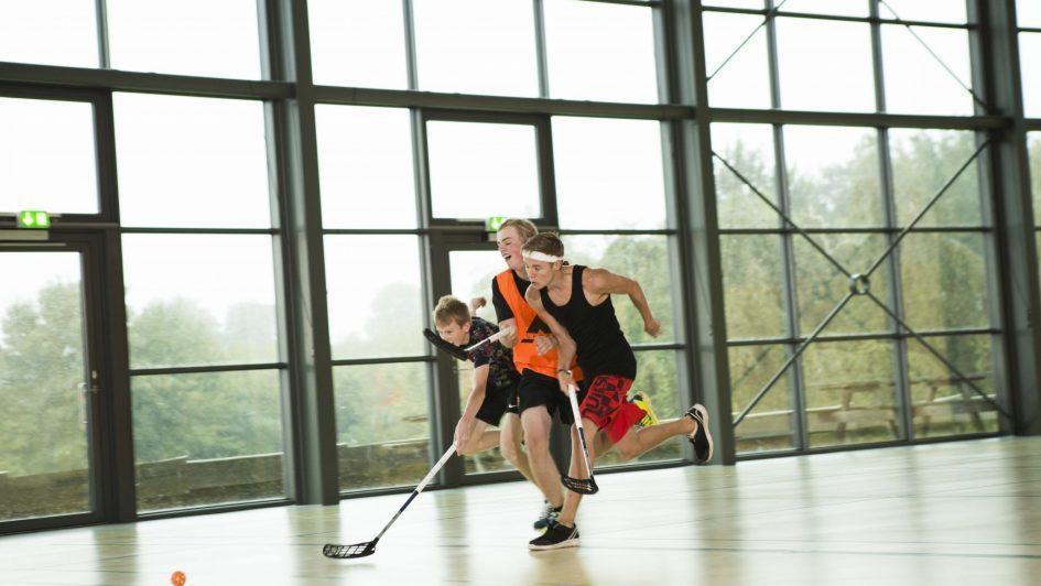 Indendørs hockey på Efterskole